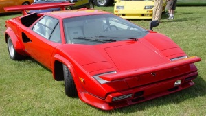 Lamborghini-Countach-Red-Front-Angle-st